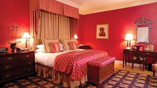 rooms-historic-deluxe-lrg-01